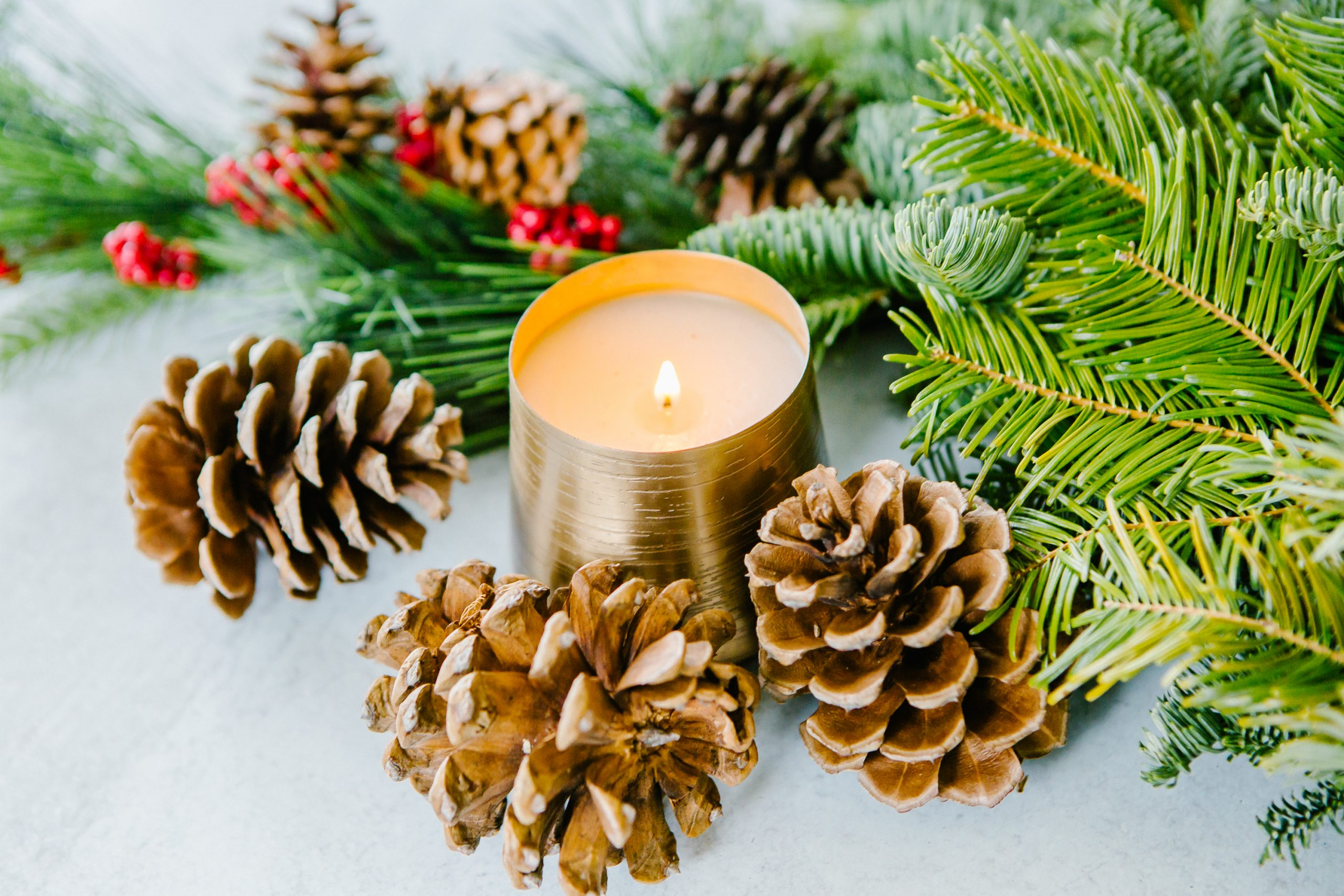 How Holiday Scents Can Make Your House Feel Warm & Cozy